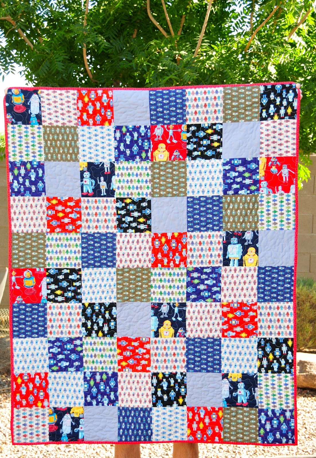 Mama mel loves robot quilt finished for Robot quilt fabric