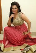 Revathi Chowdary sizzling Photos-thumbnail-11