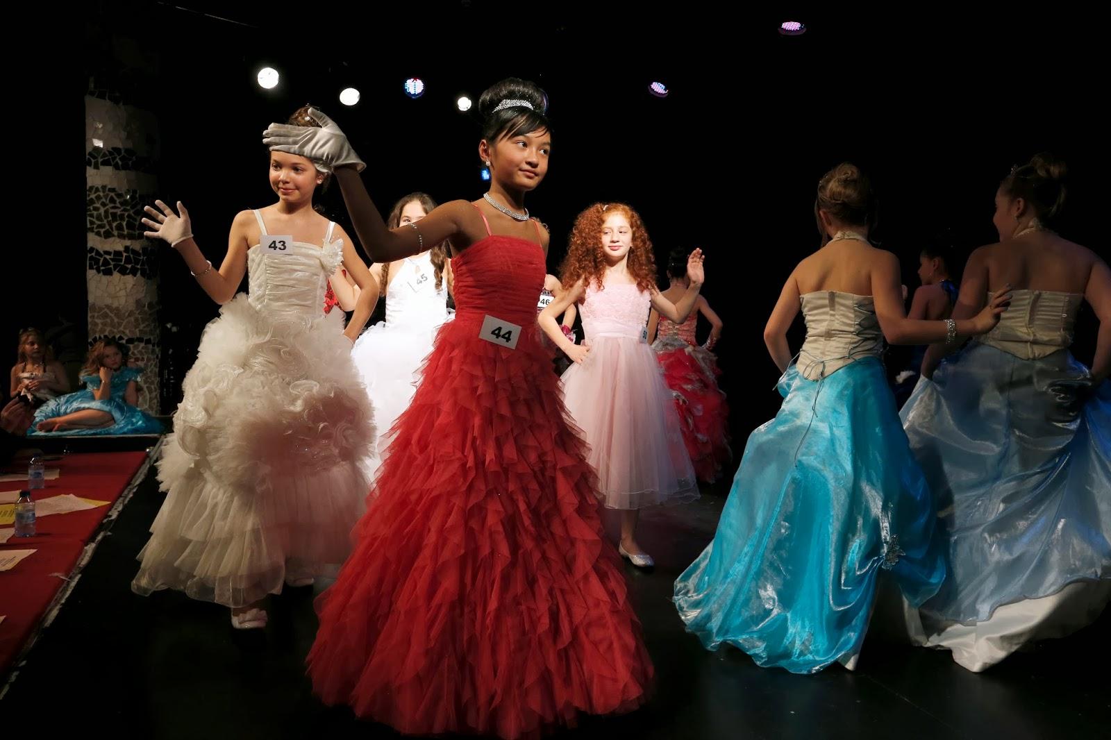 showbiz beauty contest for mini miss france 2014 in paris. Black Bedroom Furniture Sets. Home Design Ideas