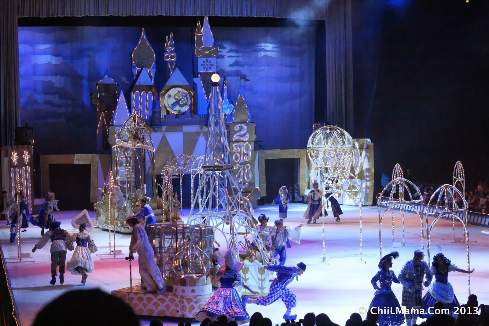 Chiil mama review photo recap disney on ice 100 years of magic its a true pleasure to be back as one of the feld bloggers again this season weve partnered with them for years now to bring chiil mamas readers great fandeluxe Images
