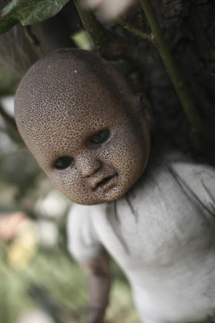 جزيرة الدمى المشوهه  Island-of-dolls-4%5B2%5D