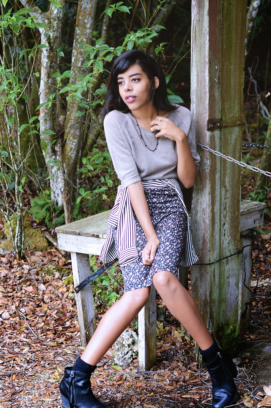 Indie Fashion Blogger Anais Alexandre of Down to Stars in all vintage with Marc Fisher boots in front of a nature trail