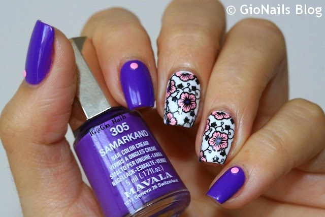 http://gionails.blogspot.be/2014/09/31dc2014-day-6-violet-nails.html