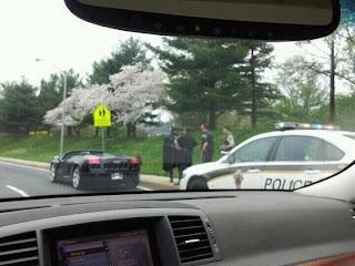 batman mit dem batmobil in der Polizeikontrolle USA. Epic!