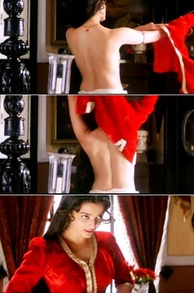 Aishwarya Rai looks Super Hot in Nude Backless photo