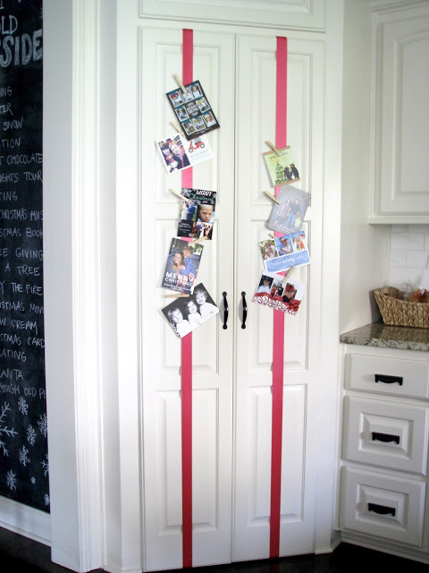 5 simple christmas card display ideas dimples and tangles. Black Bedroom Furniture Sets. Home Design Ideas