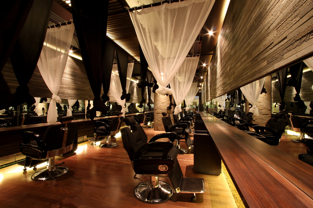 Nice hairstyle blog hair salon for Beauty salon designs for interior