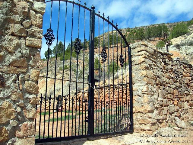 cementerio-val-sabina-ademuz-entrada