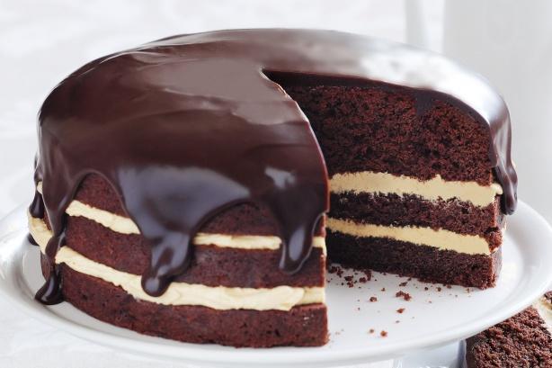 tort cu frisca si ciocolata