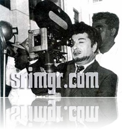 MGR in 'Ulagam Sutrum Valiban' Movie