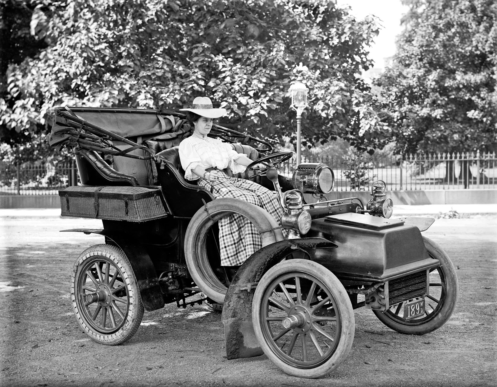 History in Photos: Harris & Ewing - Vintage Automobiles
