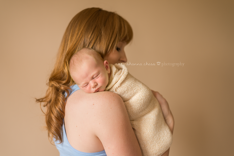 eugene springfield oregon newborn and mom photography