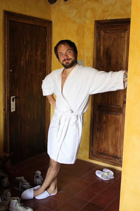 Andreas nyter hotellivet