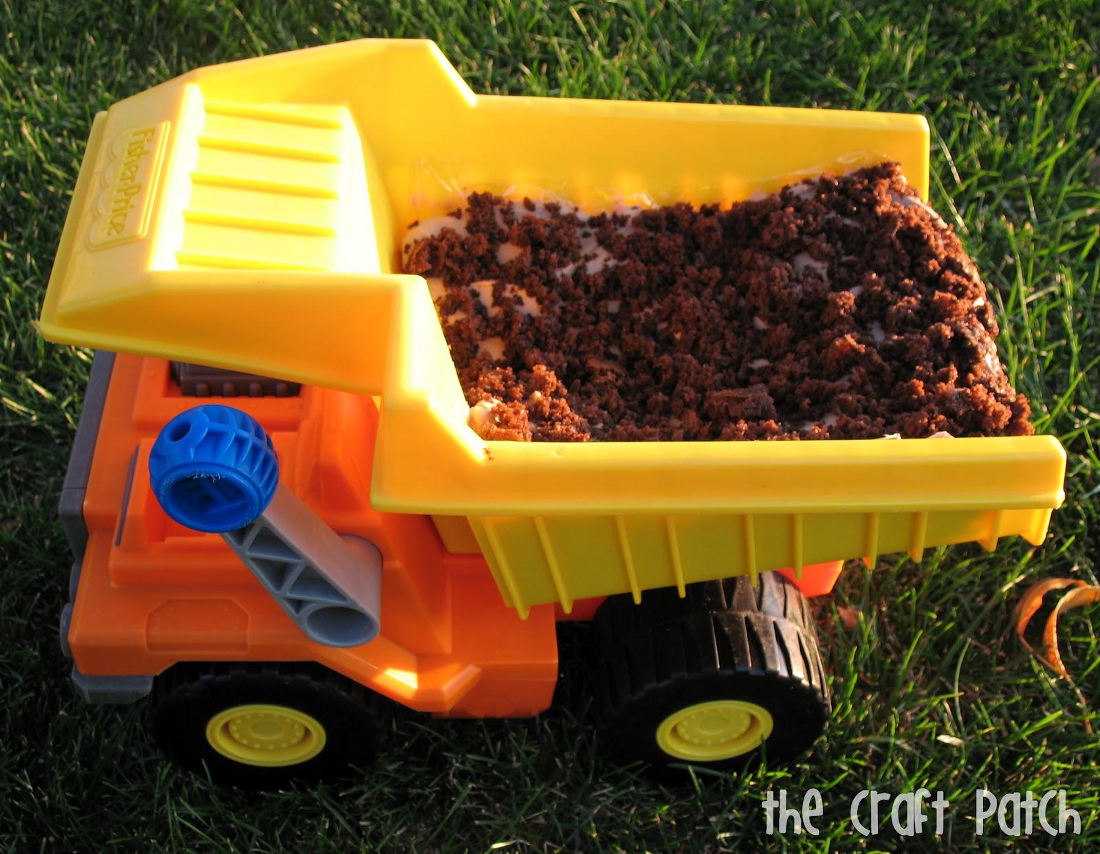 Easy Boys Birthday Cake The Dump Truck Cake thecraftpatchblogcom