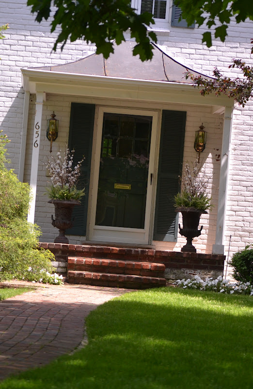 Season the day summer planter and front porch ideas for Planter ideas for front of house