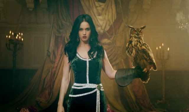 Katy Perry Promotes Dark Magic At 2015 SuperBowl Halftime Show
