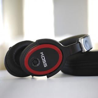 Koss Striva Pro: Headphone Dengan Koneksi Wi-fi [ www.BlogApaAja.com ]