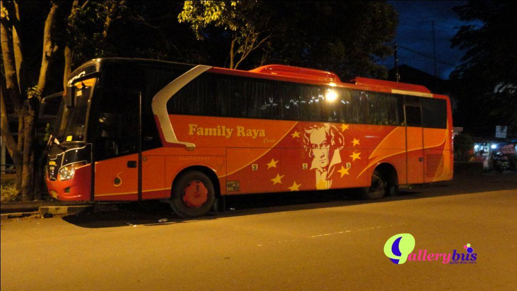 Family Raya - Legacy by Laksana | Mercedes-Benz Bus