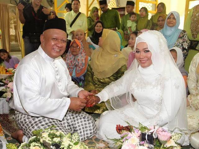 Tahniah Julfekar Selamat Nikahi Penyanyi Baru Min Yasmin