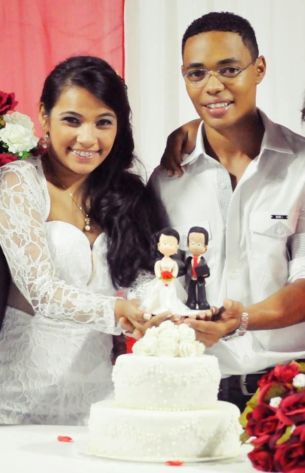 Dhieyvla Hallive -Topo de bolo para o casamento de Dhieyvla Hallive e Ronni