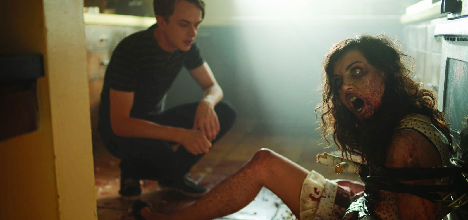 Dane DeHaan namora uma zumbi no trailer de Life After Beth, com Aubrey Plaza