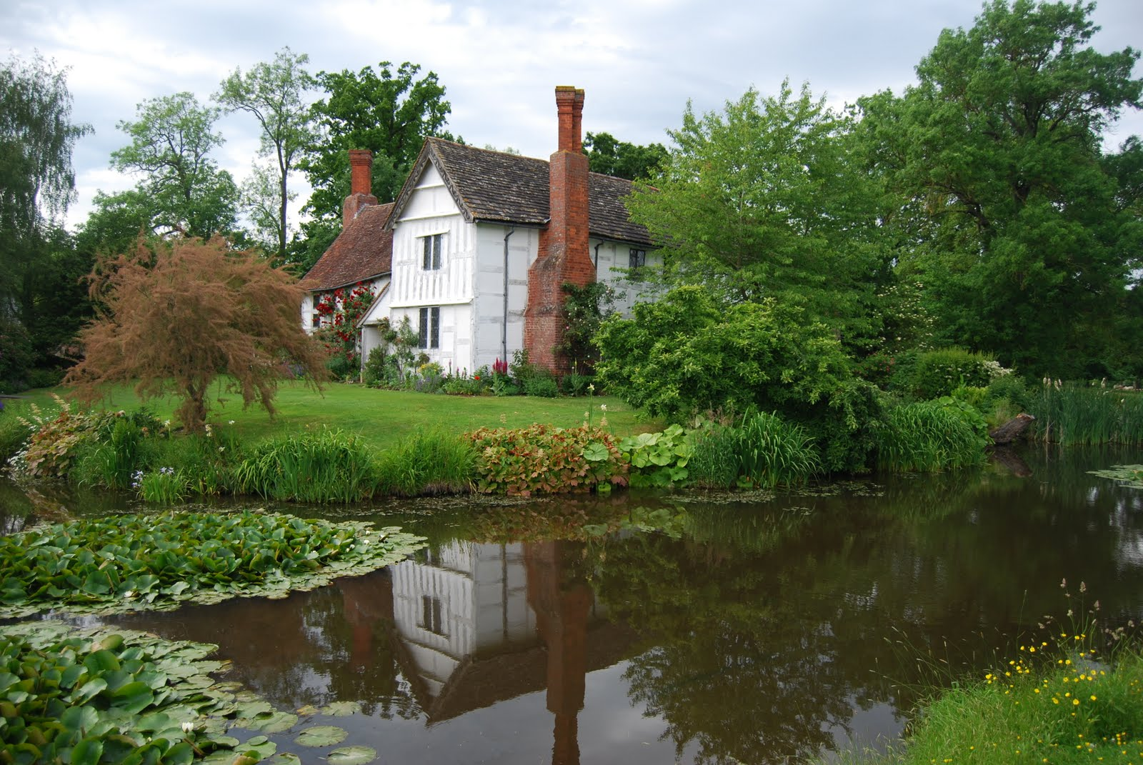Chris Priestley A Moated Manor House