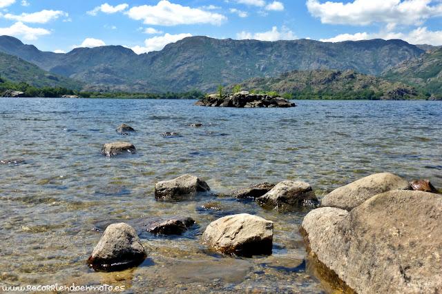 Orilla de Lago de Sanabria