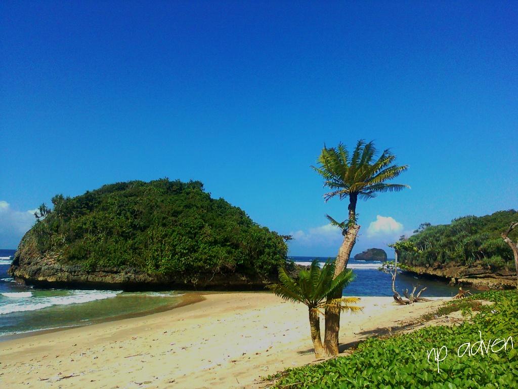 Jejak Kaki Ku Pantai Kedung Celeng Malang