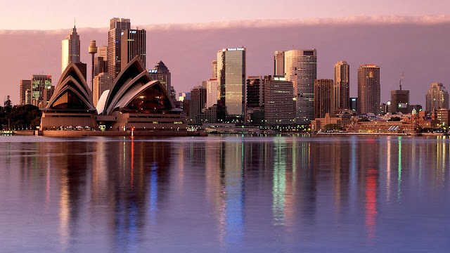 Sydney Reflection