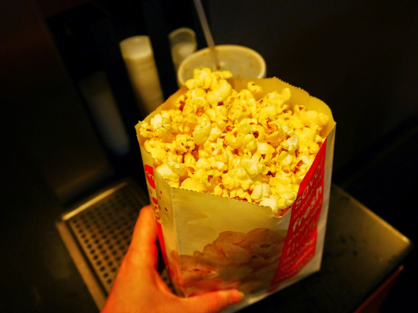 how to use popcorn machine with butter