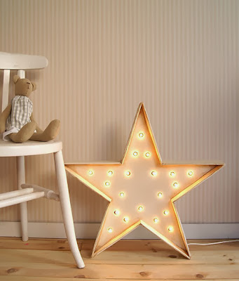 http://www.portobellostreet.es/mueble/23572/Estrella-Luminosa
