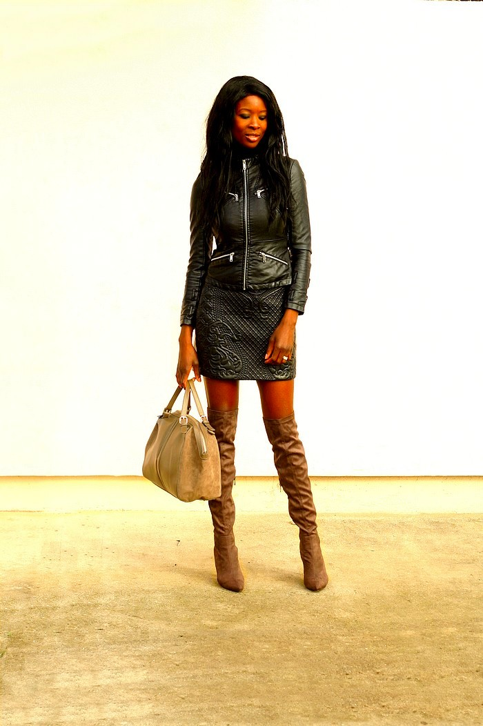 cuissardes-jupe-cuir-over-the-knee-boots-stylesbyassitan