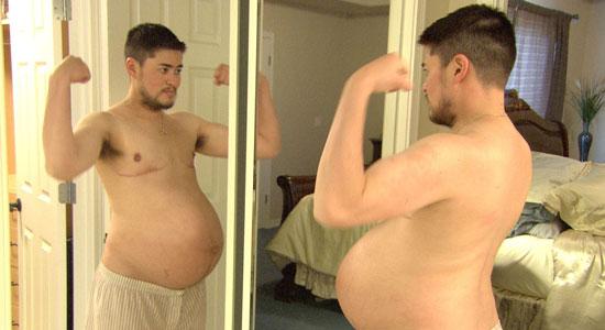 Беременный парень родил
