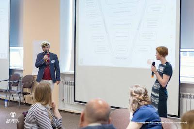 Знакомьтесь (слева направо): Юрий, Филлипс, Нина :))