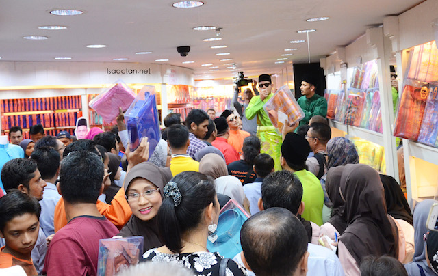 The crowd at Jakel Shah Alam were really excited