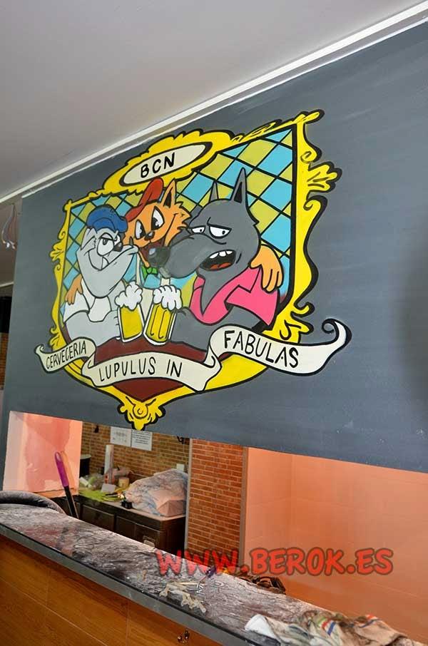 Pintura mural de caricaturas de animales