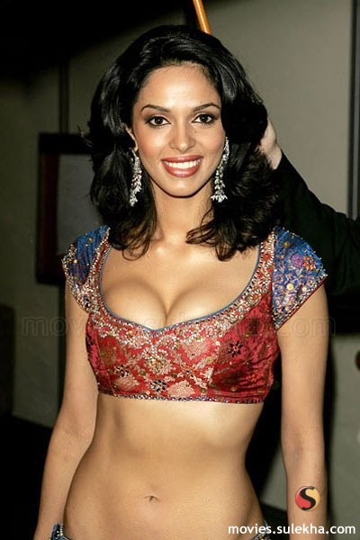 Mallika Sherawat Sexy Thigh exposed hot and Sexy wallpapers,photos,pictures.