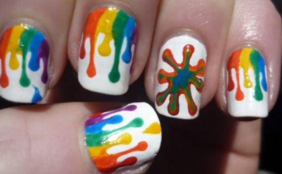 Materiales:Pinceles,esmaltes de colores,barniz(esmalte transparente)
