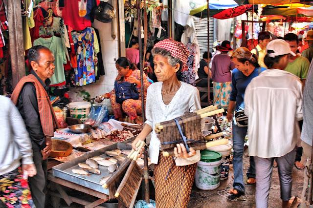 Vendeuse de poisson séché