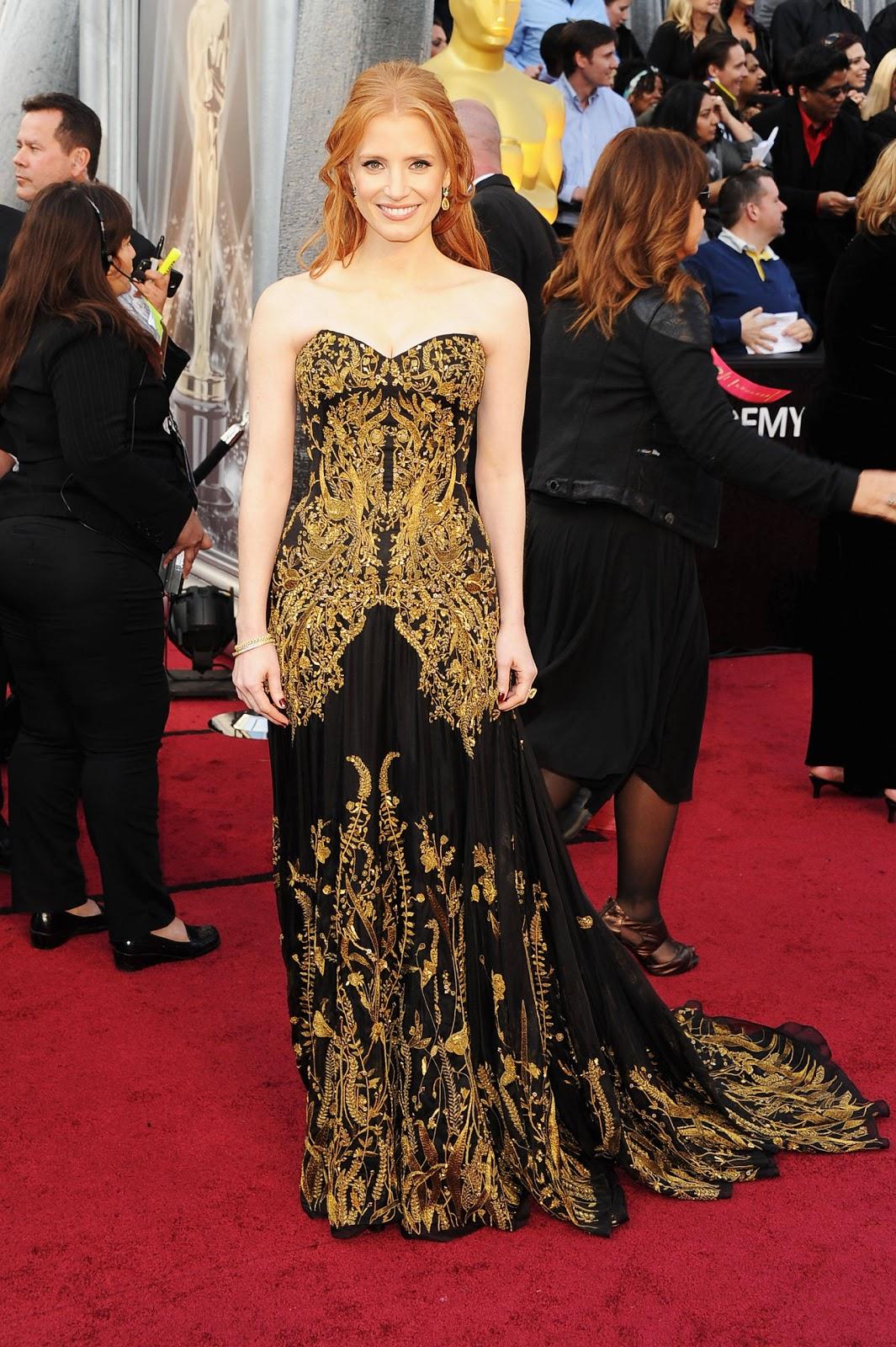 http://1.bp.blogspot.com/-gIdPHcInbvU/T4b_Y_YsaHI/AAAAAAAACcU/2lewixd0gLs/s1600/jessica_chastain_2012_Academy_Awards_Oscars_gold_black_Alexander_McQueen.jpg