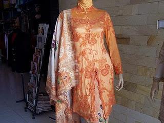 Desain Model Kebaya Modern Muslim Terbaru 2011.jpg