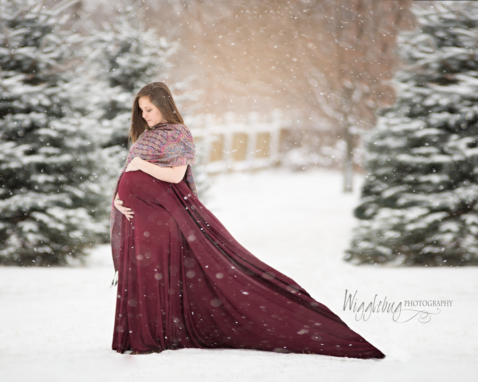Beautiful Outdoor Belly Maternity photos in Winter with flowing dresses DeKalb, Sycamore, Geneva, IL