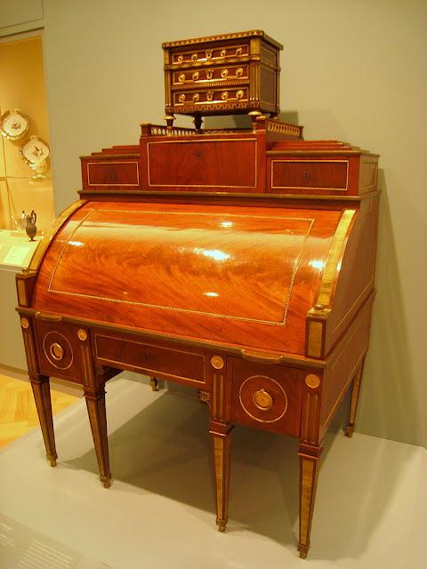David Roentgen (1743-1807): Cylinder desk, c. 1785