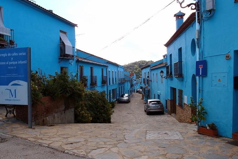 Júzcar pueblo pitufo españa azul