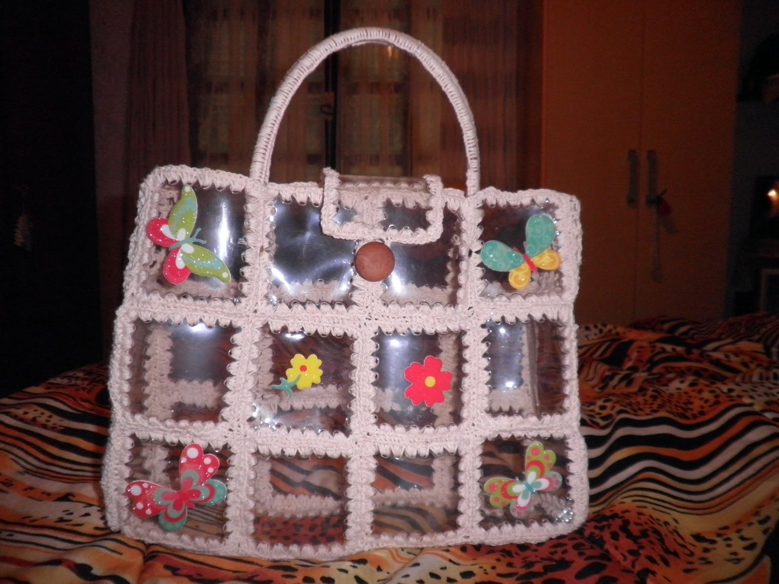 Tejiendo cami bolsos hechos en botellas de plastico - Como hacer bolsos con salvamanteles ...