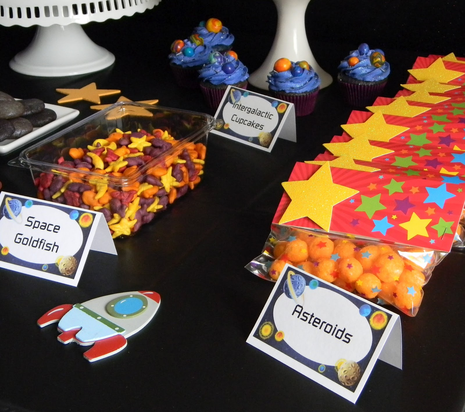 20 Fabulous Outer Space Party Ideas For Kids Artsy