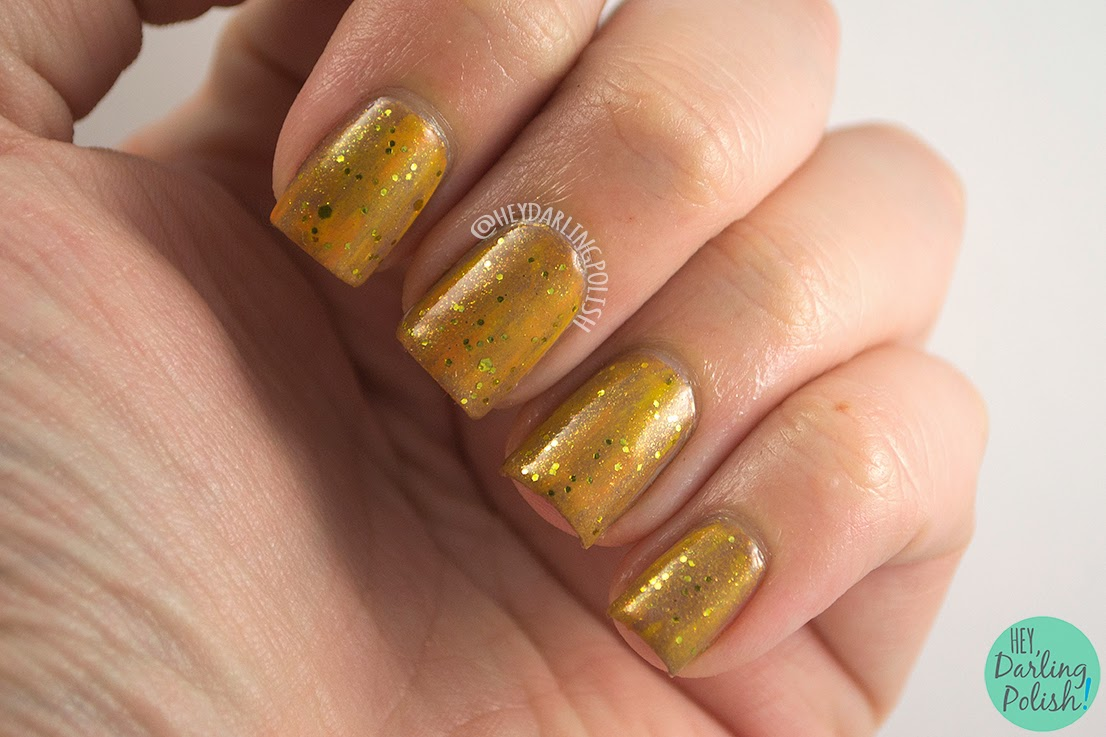 nails, nail art, nail polish, gold, the never ending pile challenge, glitter, hey darling polish