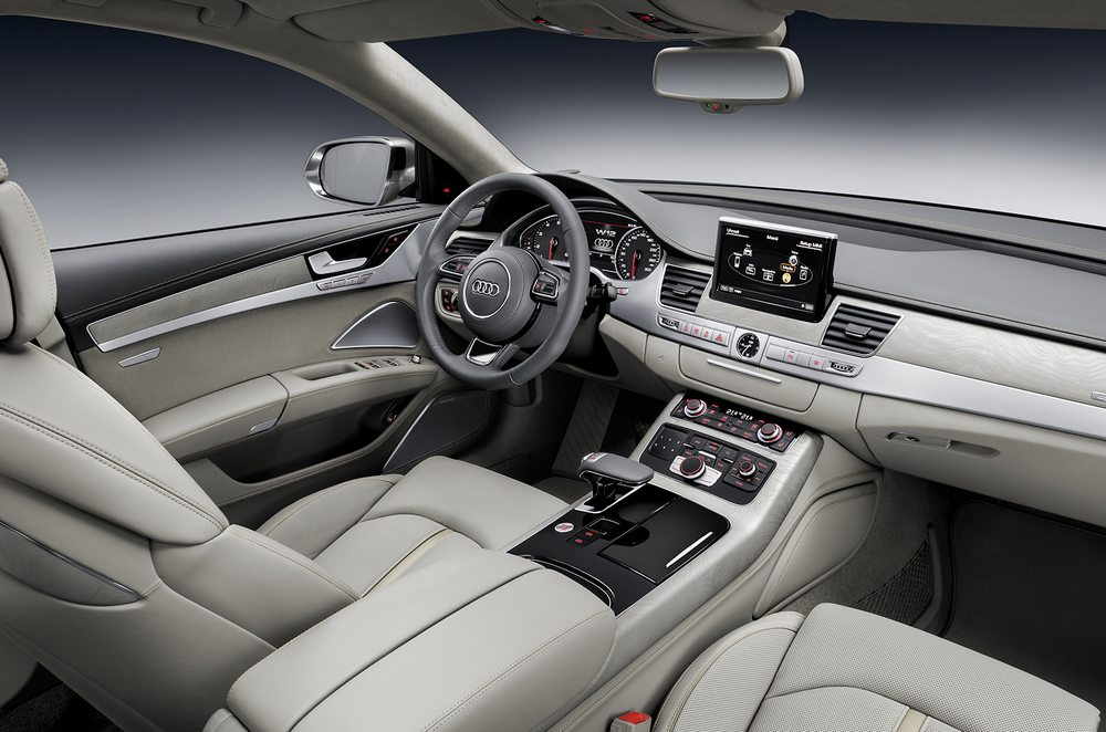 novo Audi A8 2014 lateral
