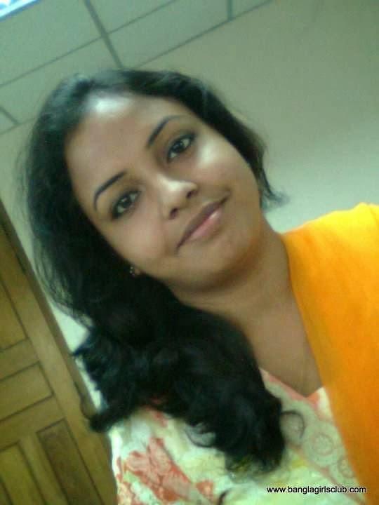 Beautiful+Bangladeshi+Village+Girl+Wearing+Sharee001