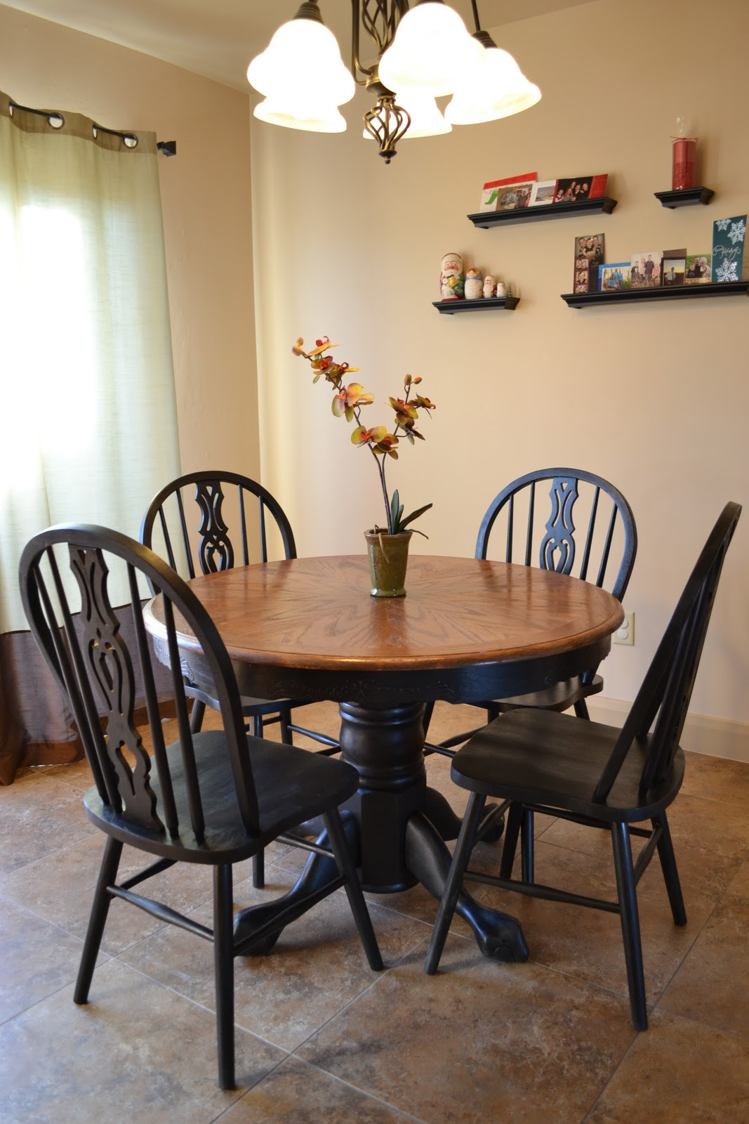 Craftaphile refinished table and chairs for Painted kitchen chairs